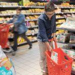 La cesta de la compra de los españoles en 2017: más platos preparados y menos pescado y fruta